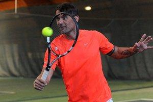 Легендарный футболист Паоло Мальдини дебютировал в профессиональном теннисе