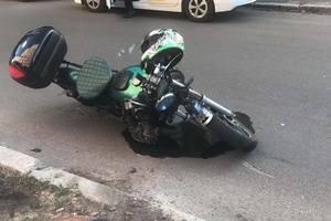 В Киеве пилот мотоцикла оказался на больничной койке, не пропустив BMW