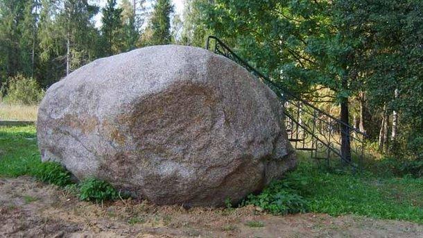 Большой камень стал причиной смерти. Фото: wikimapia.org