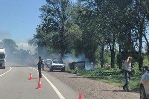 Во Львовской области на дороге загорелась фура