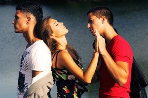 Почему мужчины и женщины изменяют друг другу: основные причины