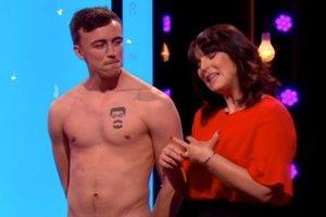 Шок на британском ТВ-шоу: все участники полностью разделись