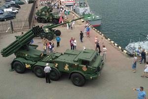В Одессе на морвокзале продолжают праздновать День ВМС
