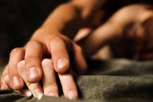 В Харькове иностранец затащил в постель 14-летнюю девочку