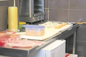 Подробности отравления киевлян в ресторане японской кухни: носителем заболевания могли стать не продукты, а персонал