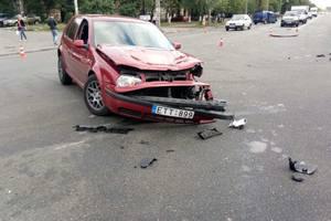 В Киеве трезвый пассажир пересел на место пьяного водителя после ДТП