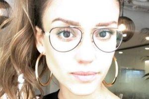 36-летняя Джессика Альба показала, как выглядит с макияжем и без него