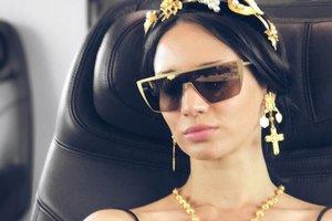 Татьяна Денисова вышла в свет в полупрозрачном наряде за 850 долларов