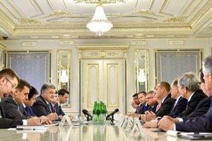 """Порошенко встретился с конгрессменами США: """"Санкции нужно усилить"""""""