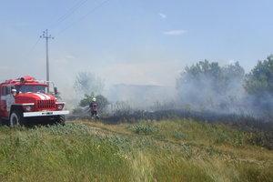 Под Киевом в четвертый раз за двое суток загорелось поле с ячменем