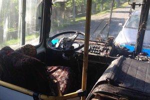 Возле Мукачево на ходу загорелся автобус с пассажирами