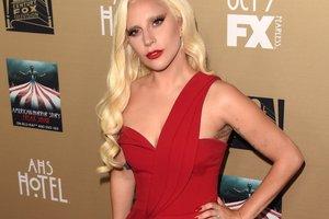 Леди Гага собралась замуж за своего агента