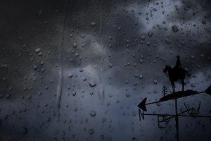 Шторм в Мариуполе оставил часть города без света
