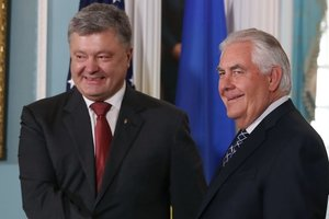 У Порошенко озвучили детали визита Тиллерсона в Киев