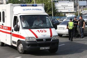 В Киеве возле супермаркета неизвестный стрелял в мужчину