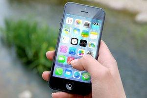Мобильный телефон вместо кошелька: Кабмин убрал барьеры на рынке мобильных платежей