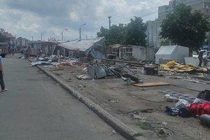 Кто в Киеве должен убирать мусор после демонтажа ларьков