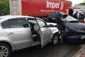 Жестокое ДТП на Прикарпатье: водитель погиб, а машины превратились в груду металла