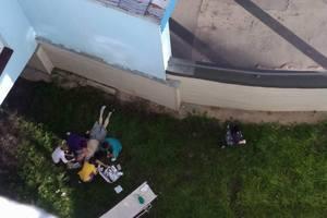 В Киеве пациент больницы выпал из окна пятого этажа и разбился насмерть (обновлено)