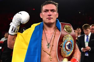 Александр Усик получил первый номер перед жеребьевкой Всемирной боксерской суперсерии