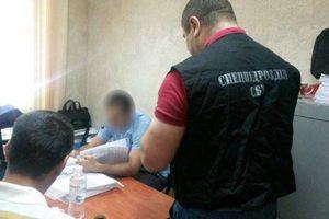 """В Одесской области чиновники выписали соцпомощь """"своим"""" на миллион гривен"""