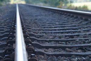 Под Харьковом поезд переехал 80-летнего мужчину