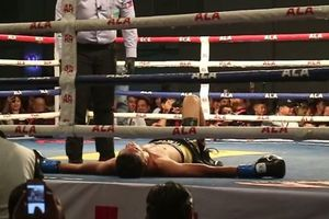 """""""Новый Пакьяо"""" в первом раунде трижды отправил своего соперника на помост ринга"""
