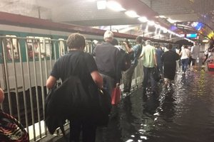 In Paris flooded metro