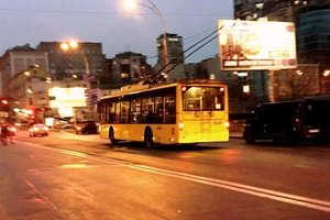 В Киеве троллейбусы массово меняют маршруты: как сегодня будет работать городской транспорт