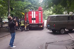 В Киеве пожилой мужчина выпрыгнул из окна и разбился насмерть