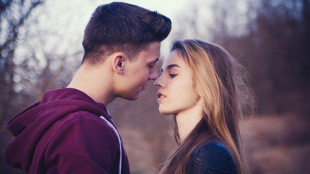 Порно где целуются