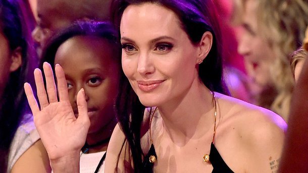 Джоли сообщила, что небудет воздействовать напрофессию детей