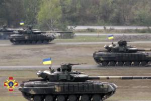 Порошенко: Армия получит десятки танков Т-72
