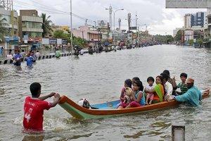 При наводнении в Индии погибли более 80 человек, около 2 млн жителей остались без жилья