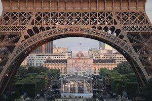 Во Франции во время беспорядков подожгли 900 автомобилей
