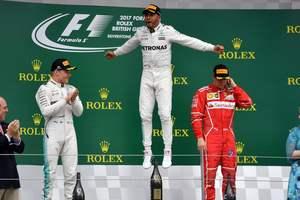 """Льюис Хэмилтон выиграл """"домашний"""" Гран-при Великобритании"""
