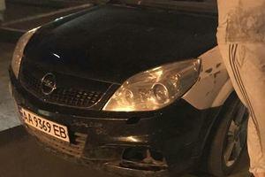 В Киеве полиция устроила погоню за авто с выключенными фарами