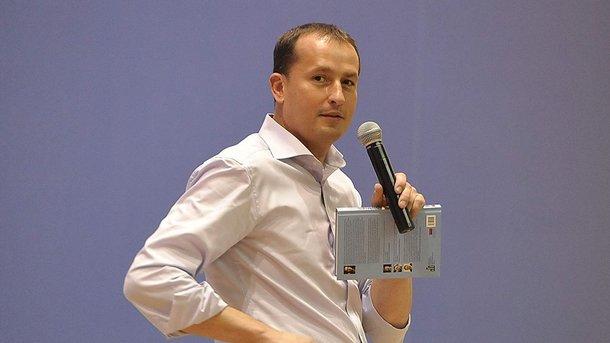 Секретарь  Гройсмана Столярчук подал вотставку по«личным обстоятельствам»