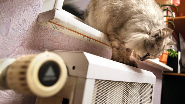 Как платить за отопление меньше. Фото: архив