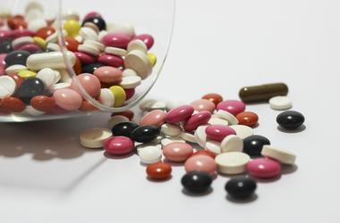 Во Львовской области девочка наглоталась таблеток, чтобы не ехать в село