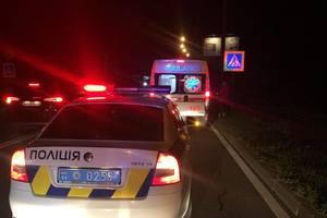 Под Киевом водитель насмерть сбил женщину на переходе: останки разбросаны по всей проезжей части