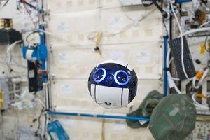 На МКС появился робот-фотограф