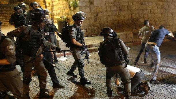 Власти Израиля иПалестины ищут выход изкризиса вокруг мечети Аль-Акса