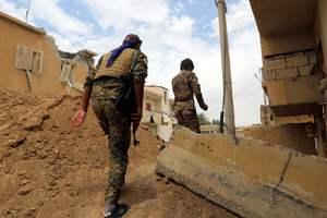 В Сирии войска Асада угодили в засаду к повстанцам: много погибших и раненых