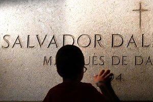 В Испании вскрыли могилу Сальвадора Дали