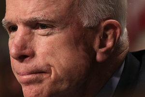 Маккейн пообещал вернуться к работе после лечения