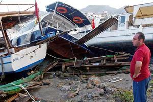 Появились кадры последствий мощного землетрясения в Турции