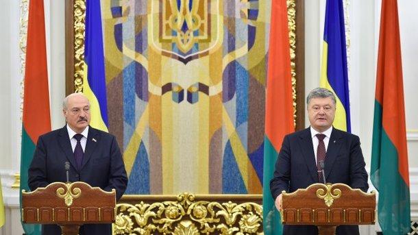 ВКиеве начались переговоры Лукашенко иПорошенко