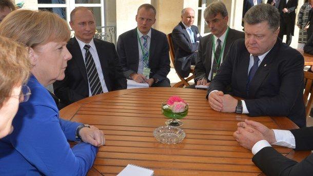 Совфед ответил наугрозу Порошенко ввести новые санкции против РФ
