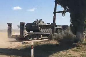 В сети показали, как Россия перебрасывает оружие и технику к границе с Украиной